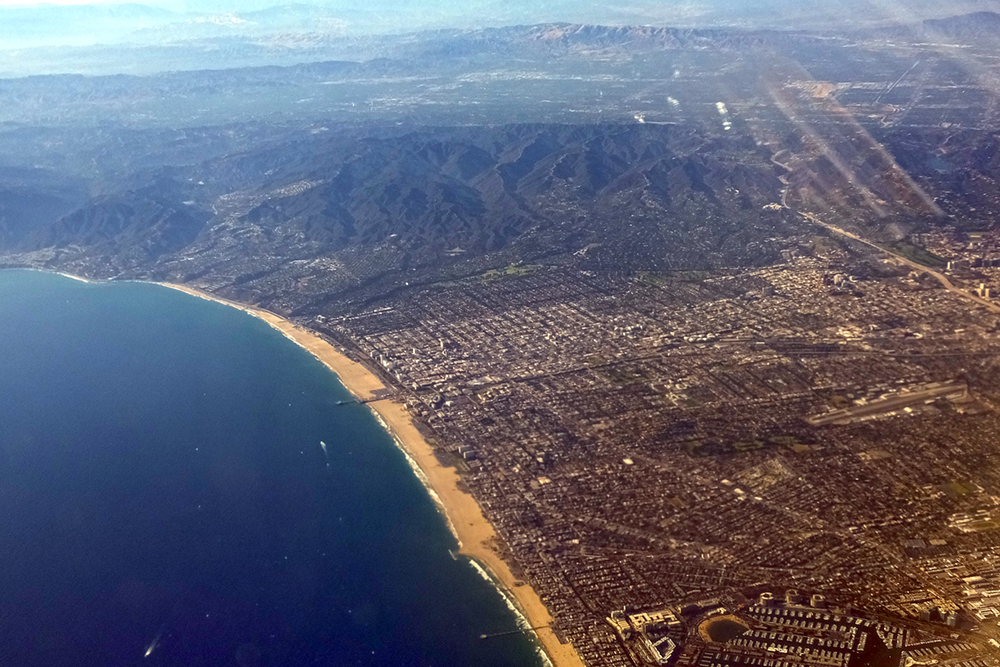 Santa Monica Pier in the middle/Marina del Ray at the bottom